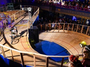 Red Bull Mini Drome -Figure 8-